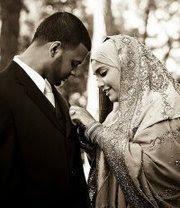 """كيف تقولي لزوجك """"أحبك"""" بدون كلمات!"""