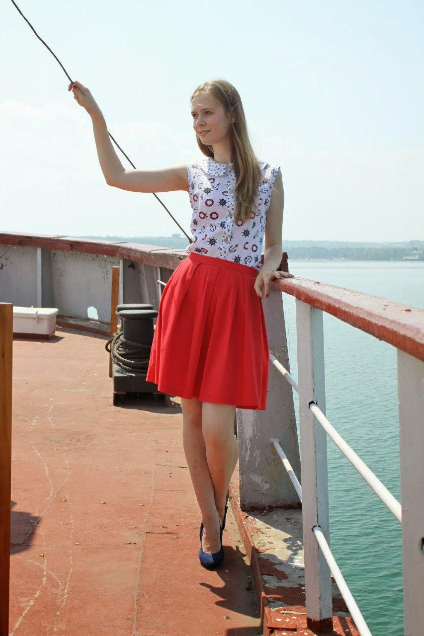 С подружкой на море 11 фотография