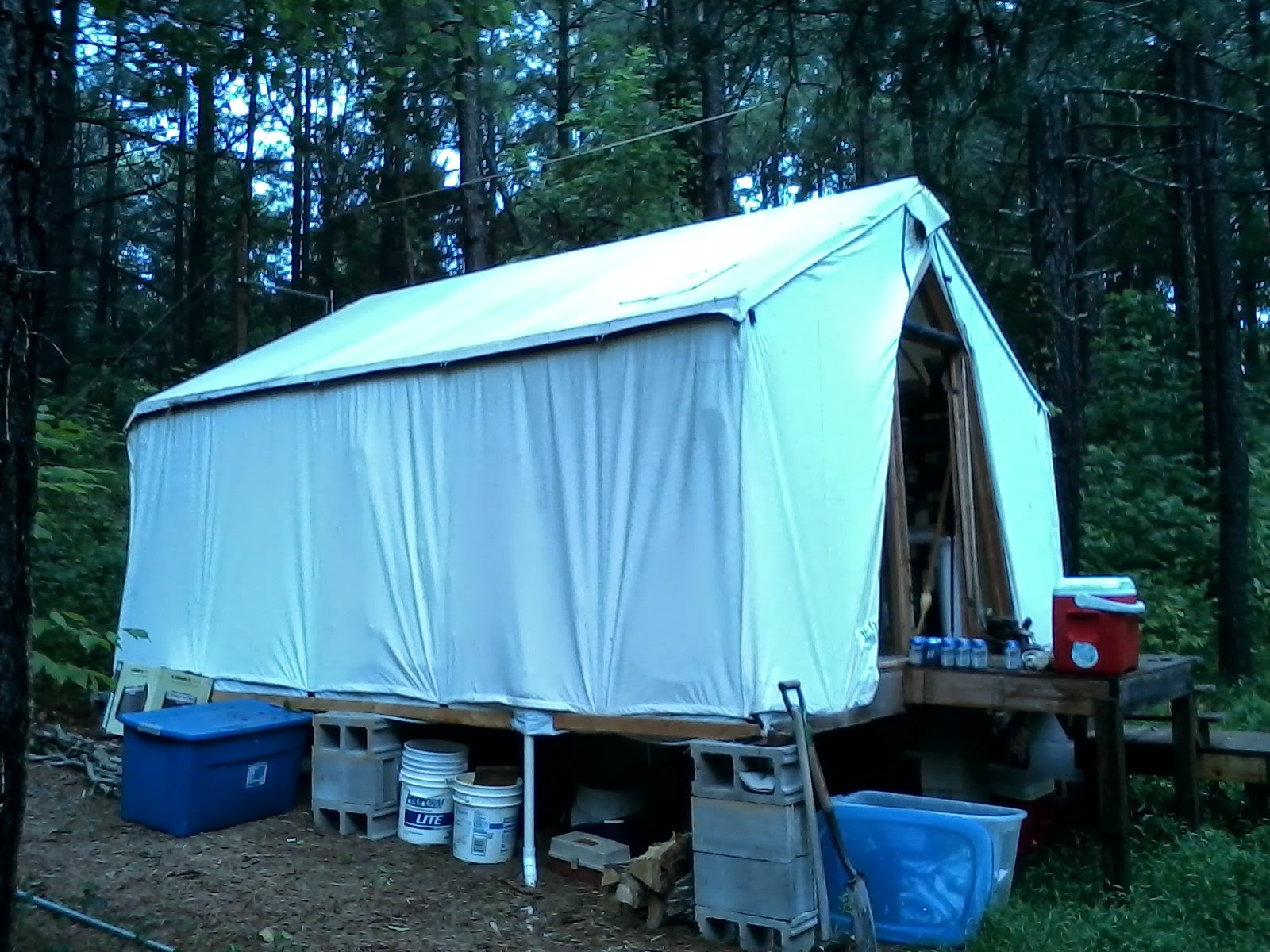 Before putting up the new rain fly I decided to make some improvements to my installation. I have never been very satisfied with the way the rain fly sags ... & Tent Living: Time for a New Roof