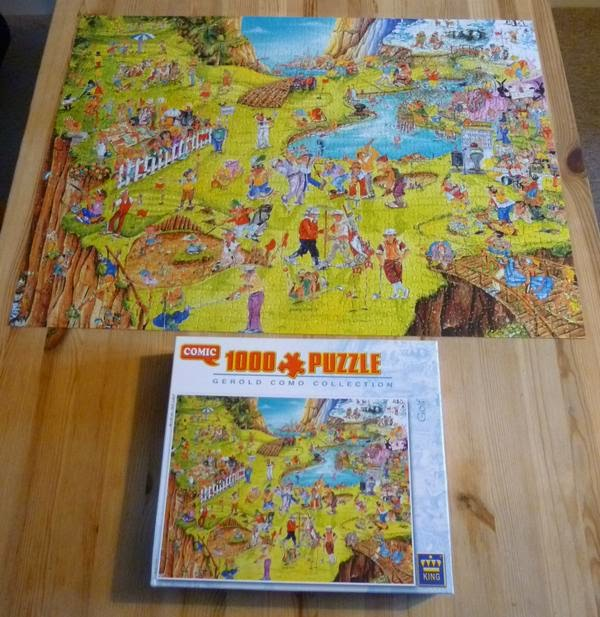 A Gerold Como Collection 'Golf' jigsaw puzzle that contains a lot of crazy elements