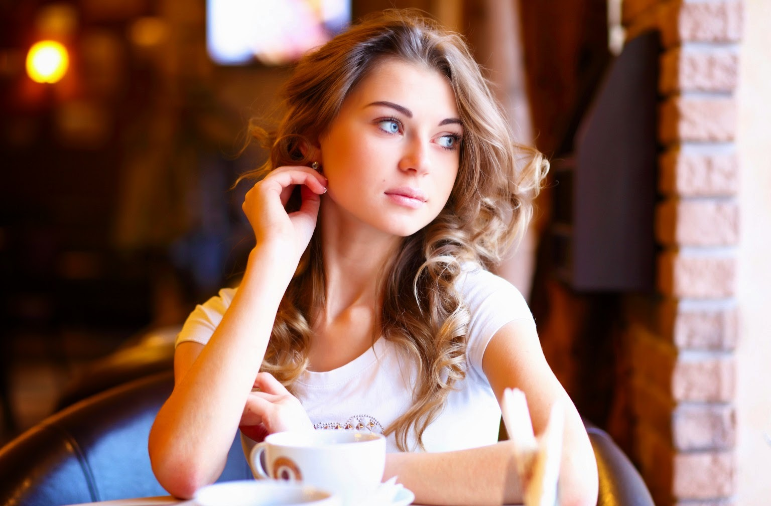 Russian Brides : Meet Russian Women for Serious Relationship & Marriage