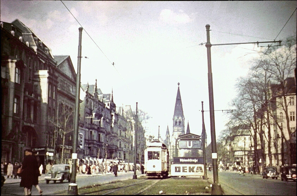 vintage everyday: Color Photos of Berlin from 1941-42