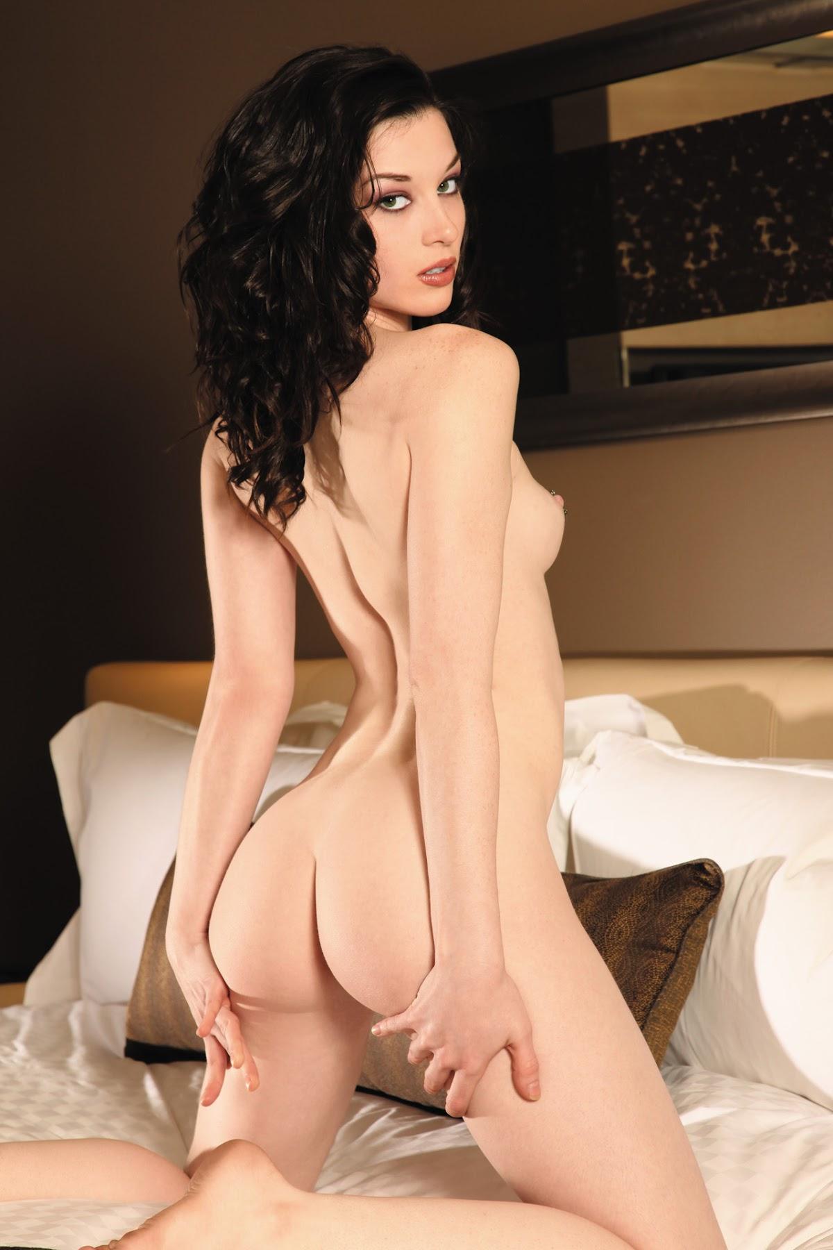 http://1.bp.blogspot.com/-RE7xWeD8z6w/UPk0idMldII/AAAAAAAAD_k/N0ULedFnqN4/s1800/australianpenthouse_brunette_naked_solo_Stoya_trimmed_7.jpg