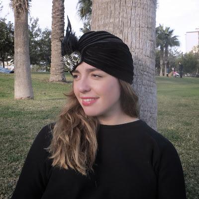 turbante terciopelo pluma