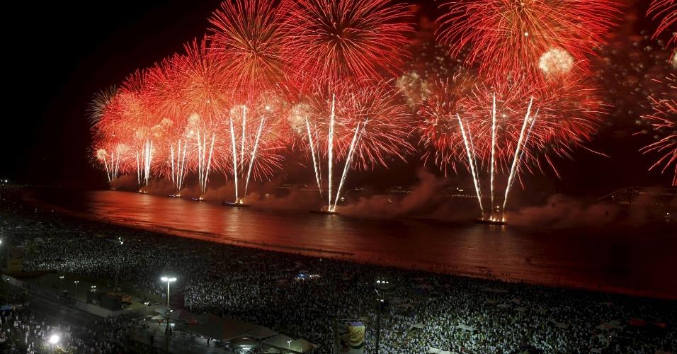 é realizada na praia de Copacabana, na zona sul do Rio de Janeiro
