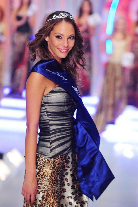 Dora Szabo,Miss Hungary Earth 2011