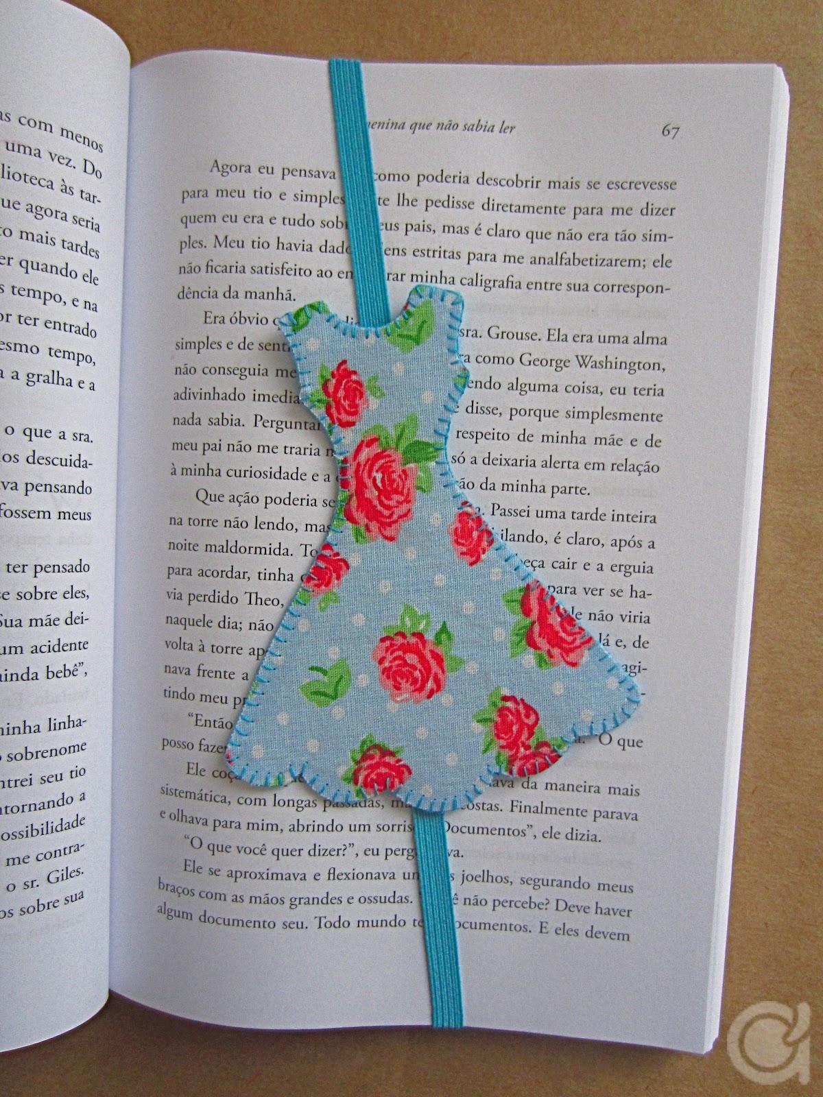 Daily Craft Inspiration : Useful Crafts - Girly Fabric Bookmark