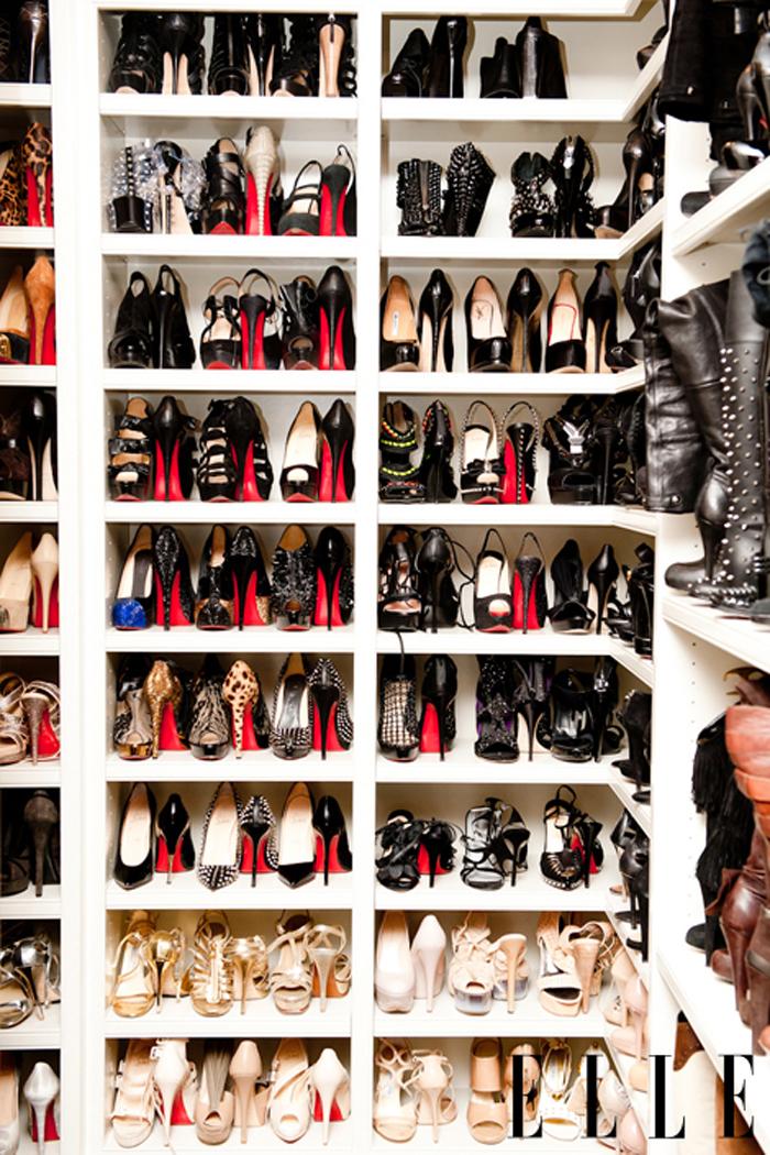 Kim Kardashian's Ten Million Dollar Closet Tour 2017 - YouTube