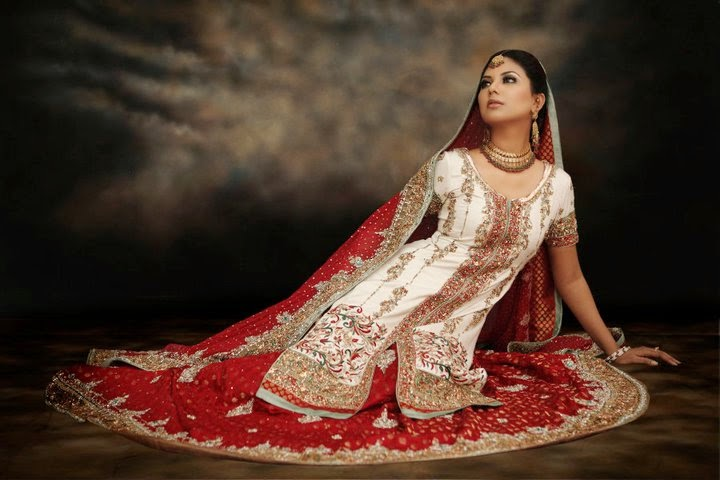 http://www.funmag.org/fashion-mag/fashion-apparel/sunita-marshall-in-pakistani-bridal-dress/