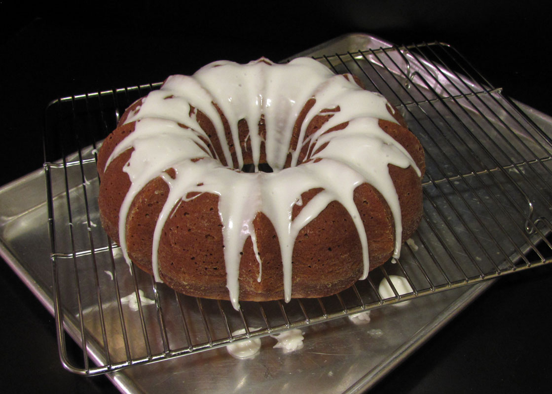 ... Like Food in Here: Pumpkin Spice Bundt Cake with Buttermilk Icing