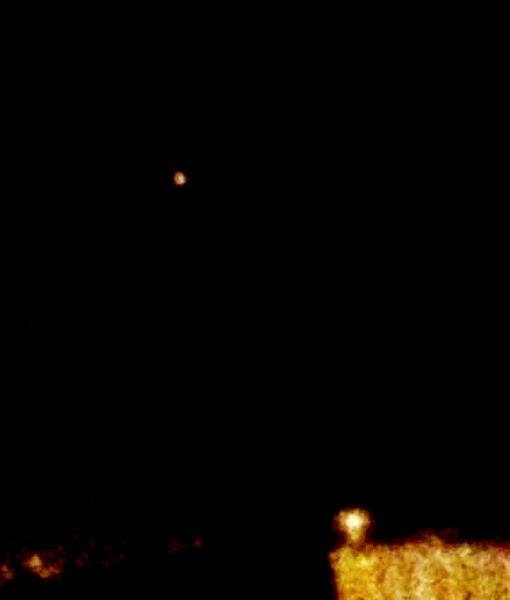 Una luz naranja se ve caer en Gran Canaria