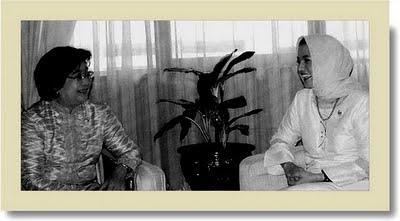 Mantan Meneg PP dan Marissa Haque Tukar Ide untuk Banten