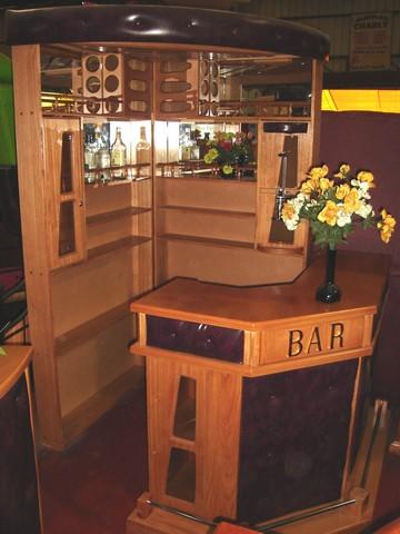 Muebles j m valdivia bar esquinero for Bares prefabricados de madera