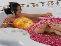 Bollywood actress bikini photoshoot