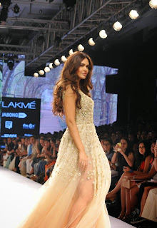 Esha Gupta Walks the Ramp in a Leg Split Deep Neck Net Gown By Arpita Mehta at Lakme Fashion Week 2015