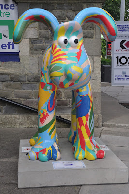 Feathers Gromit (front view)