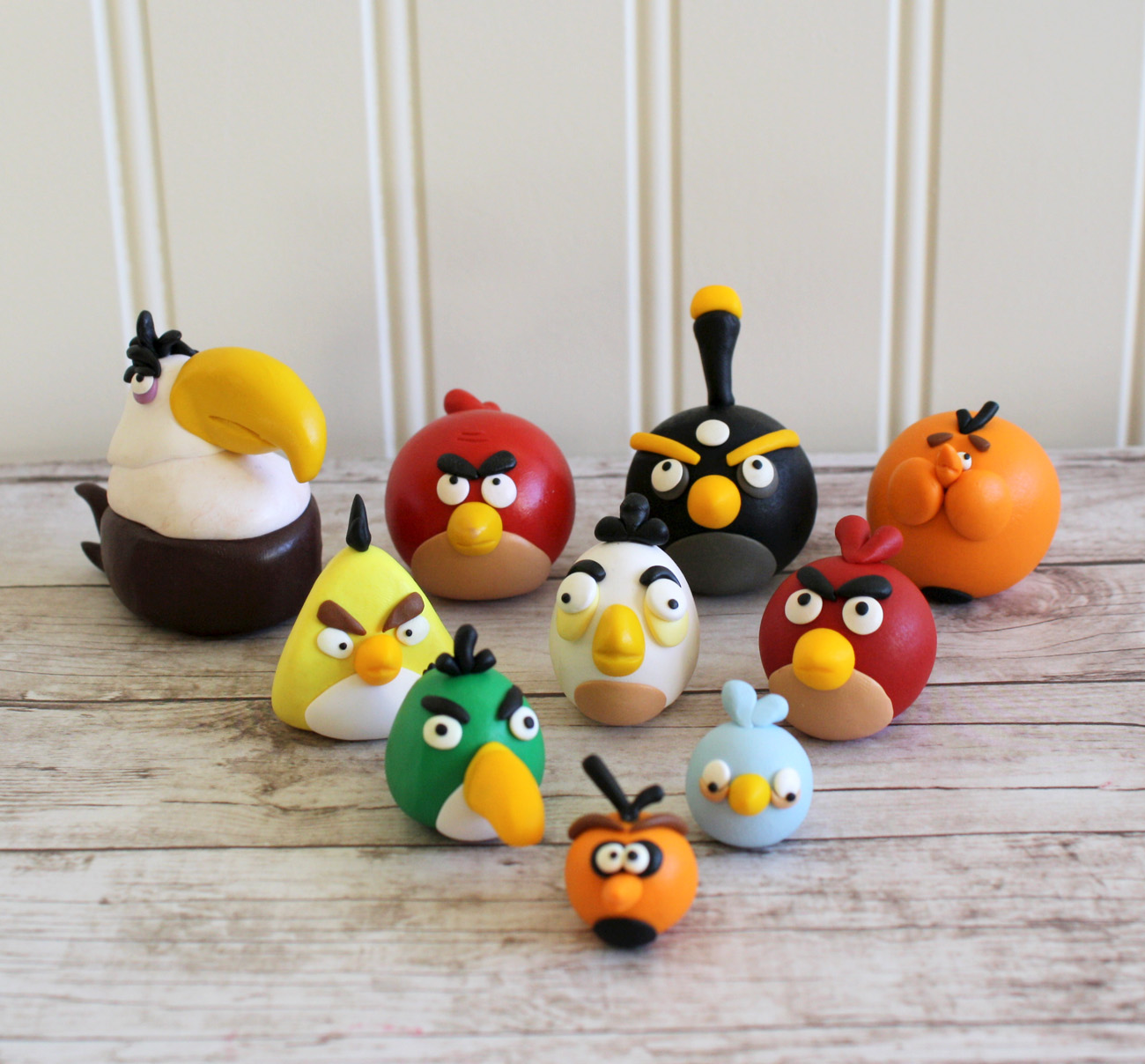 Crafty with a side of crazy angry birds cake toppers for Angry birds cake decoration