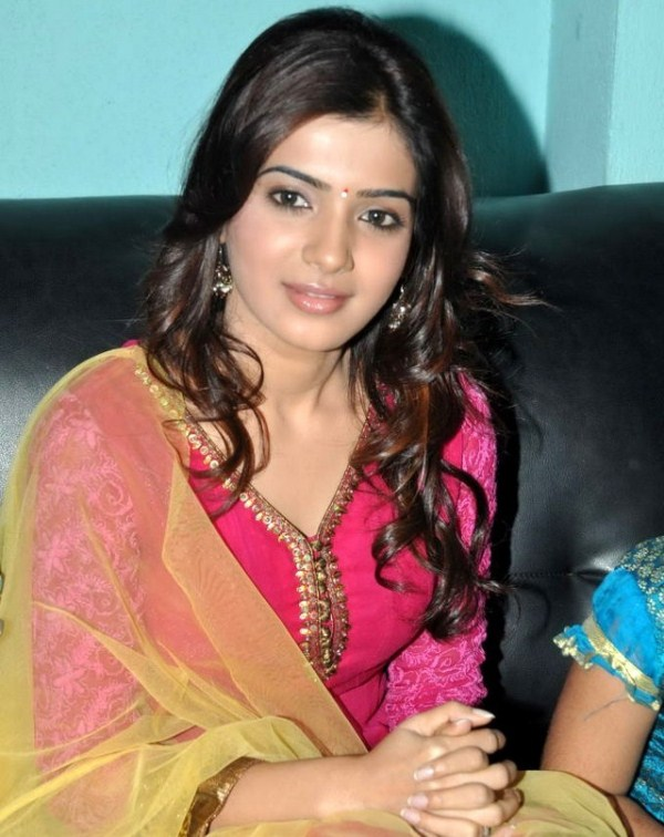 Samantha at Nishita College Annual Day 2011