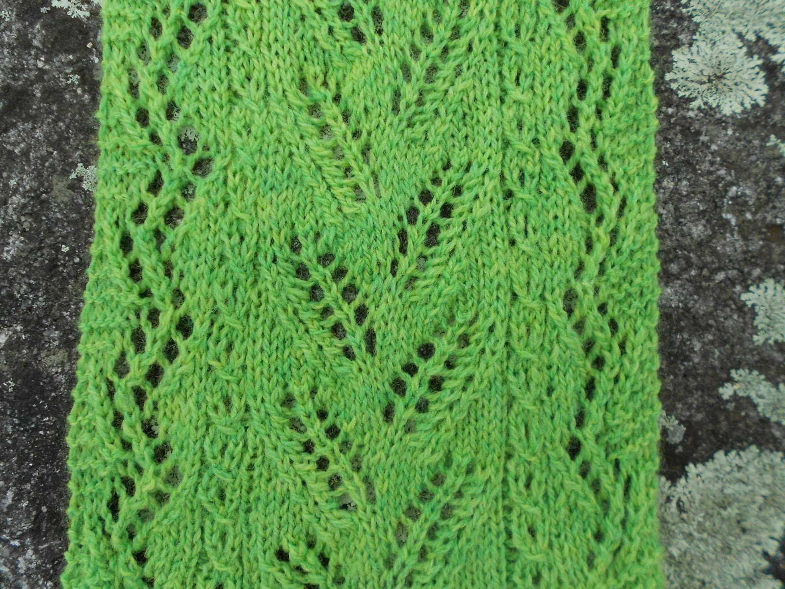 Merry Melody Designs: Lacy Forest Fern Scarf