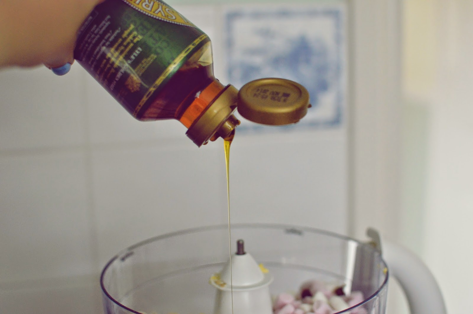MARSHMALLOW AND CHOCOLATE CHIP FLAPJACKS RECIPE