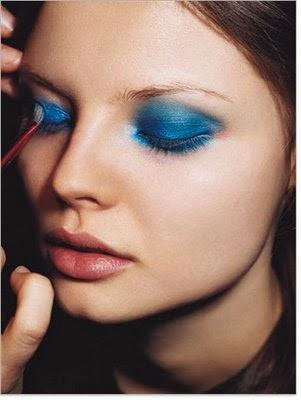 Blue Eyeshadow Tips