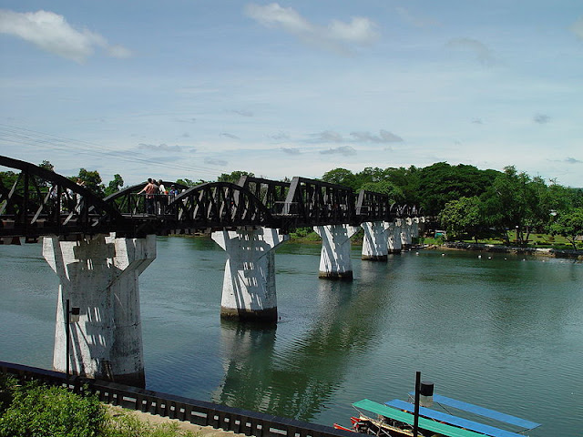 bridge-over-river-kwai-thailande