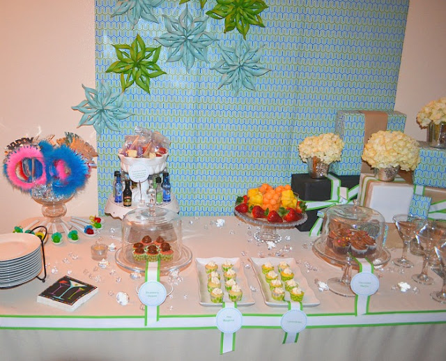 cocktails and cupcakes dessert table