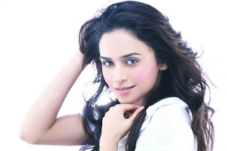 images of amruta khanvilkar12