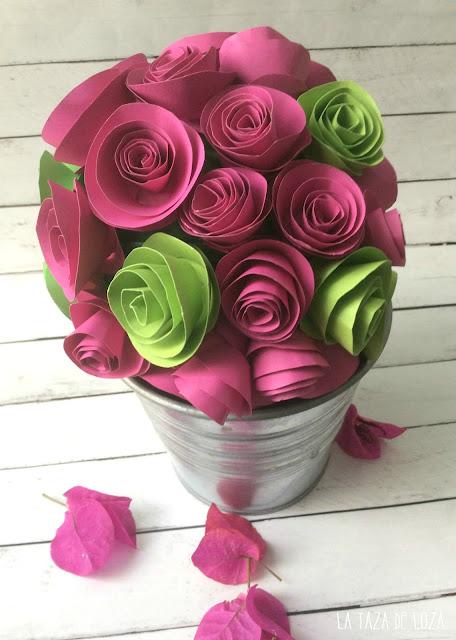 Centro de flores de papel