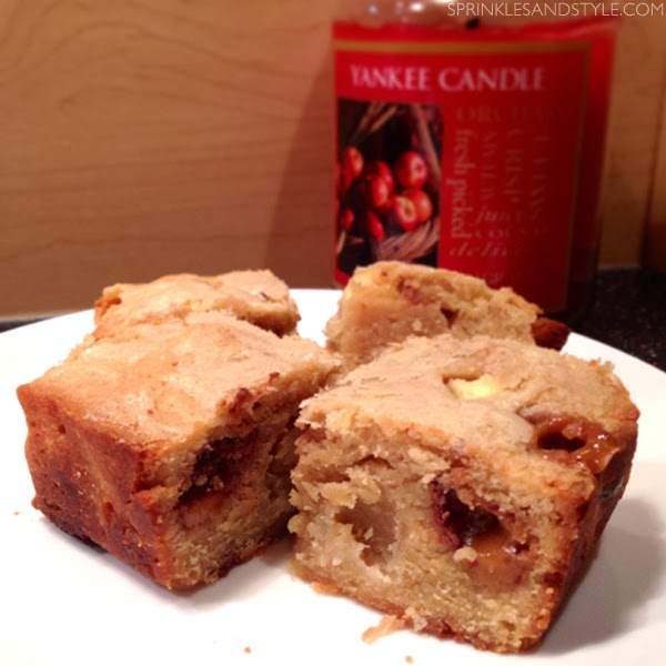 Sprinkles and Style || Caramel Apple Peanut Butter Cup Blondies