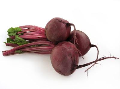 Remolacha, papillote y frutos rojos para prevenir el cáncer de colon