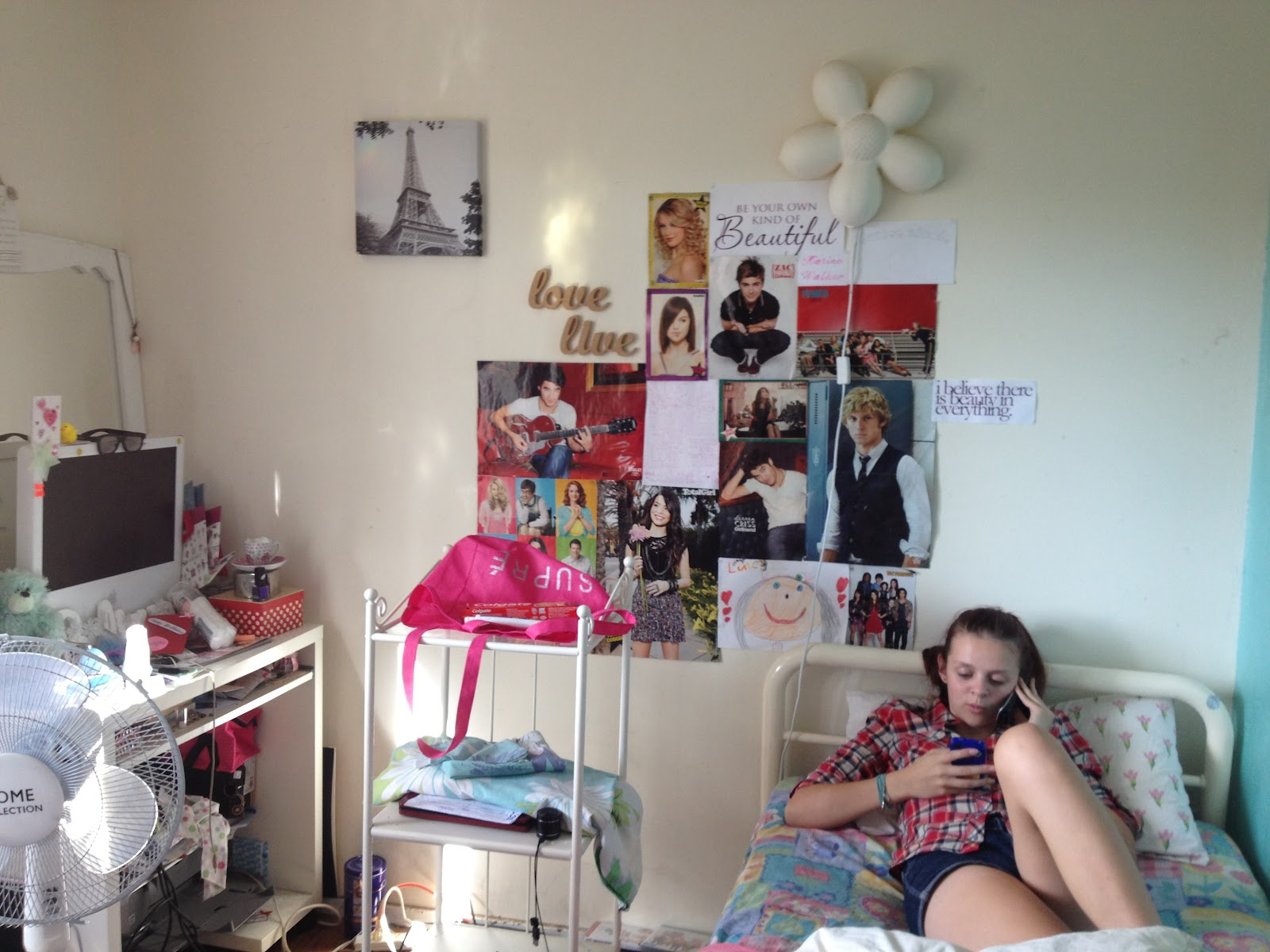 Below is a picture of her room after the makeover (oops her dog  title=