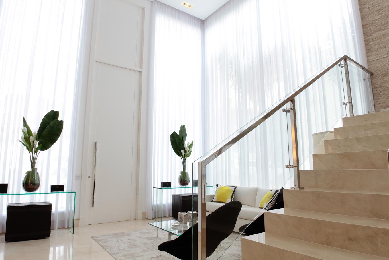 #80664B de concreto todo revestido com mármore crema marfil com barras de  1358x906 píxeis em Cortinas Chiques Para Sala De Estar