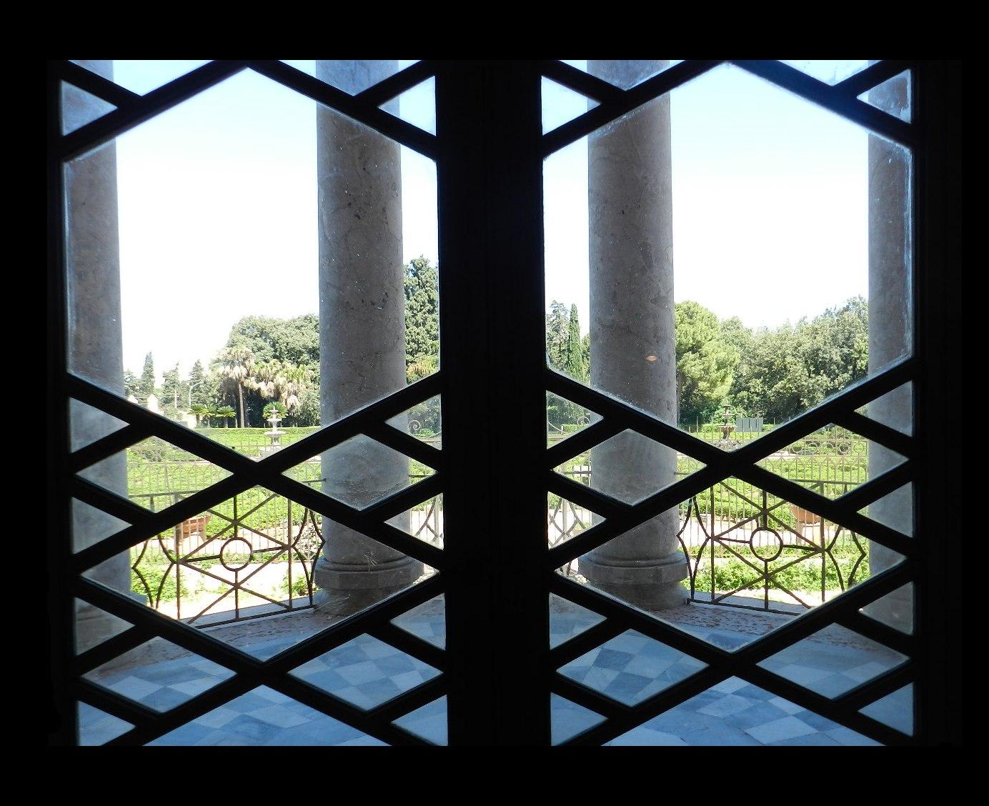 Terrazzino Del Pronao Che Si Affaccia Verso Il Retrostante Giardino. #7D8E3D 1384 1128 Nella Sala Da Pranzo In Francese