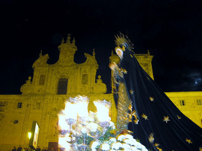La Dolorosa frente a San Nicolás (Jueves Santo, Villafranca del Bierzo)