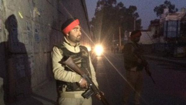 Thanks to a tip off and alert forces, a major terror attack has been foiled in Punjab, which had earlier suffered a similar incident at Gurdaspur.  The Pakistani terrorists, who came to attack Pathankot airbase, found that Indian soldiers were fully ready to take on them   They found NSG commandos, Army and Air Force SWAT teams and helicopters waiting for them.