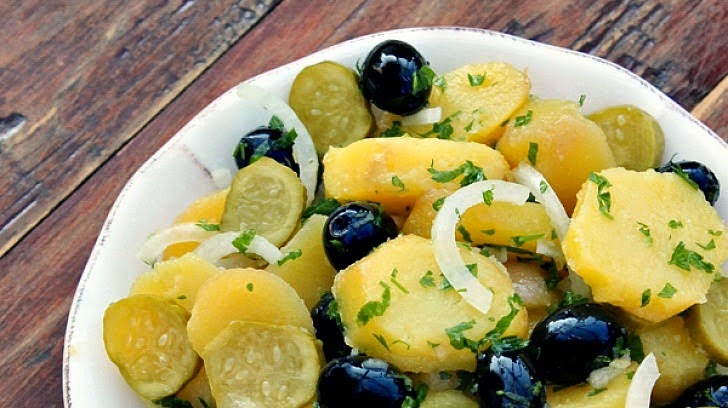 http://www.theseamanmom.com/2014/06/Oriental-salad-Healthy-recipe.html#.U5RWgyi9ahI