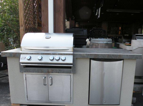 Outdoor kitchen october 2011 for Outdoor summer kitchen grills