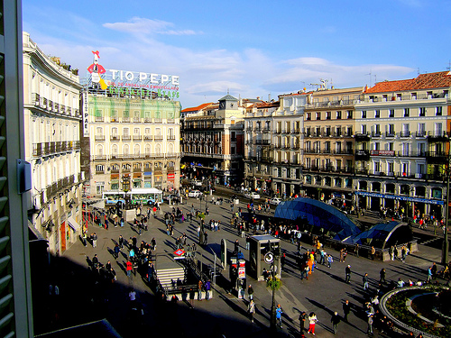 Ail madrid spanish language school blog out with the old for Tio pepe madrid puerta del sol