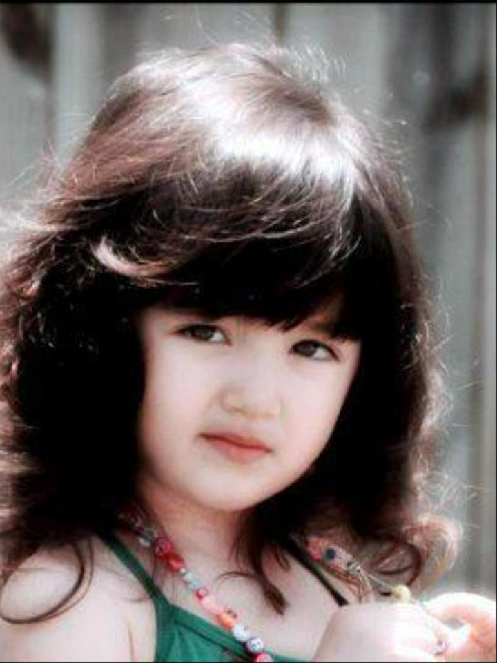very sweet and cute baby pic