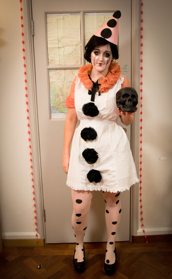 DIY budget Pierrot the Clown halloween costume fancy dress outfit