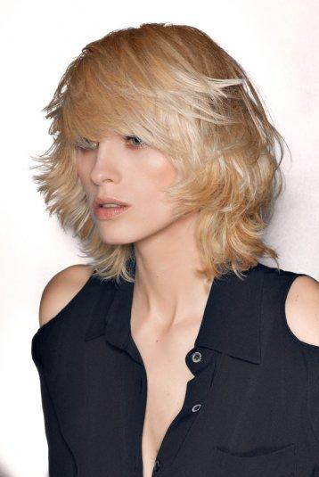 Top du meilleur meilleures coiffure femme tendance 2012 2013 - Coupe mi longue degradee avec frange ...