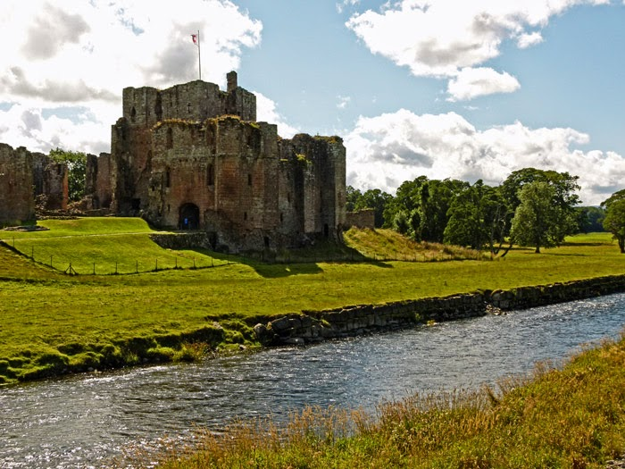 River Eamont, castles, Penrith, Clifford family