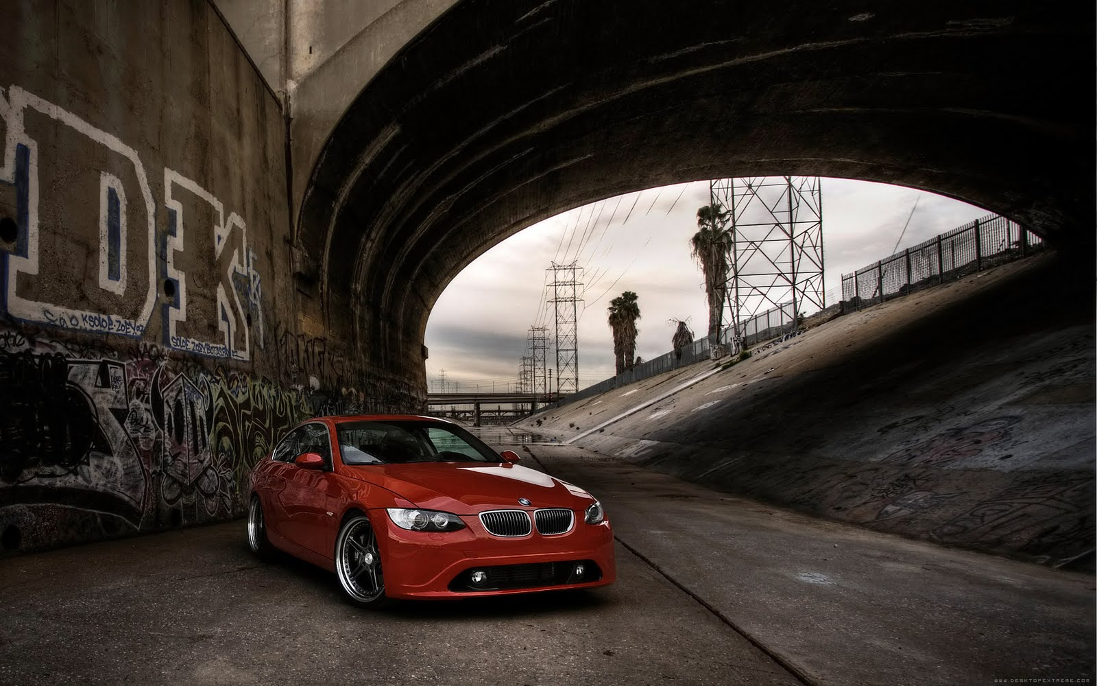 http://1.bp.blogspot.com/-RJqi3ZgdIGQ/Tbj7Ew_h_8I/AAAAAAAACPQ/Q6N4cwcBqZQ/s1600/TheWallpaperDB.blogspot.com__+__Cars+%252823%2529.jpg