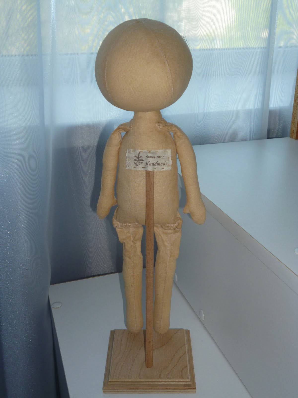 Как сделать держатель для куклы 414