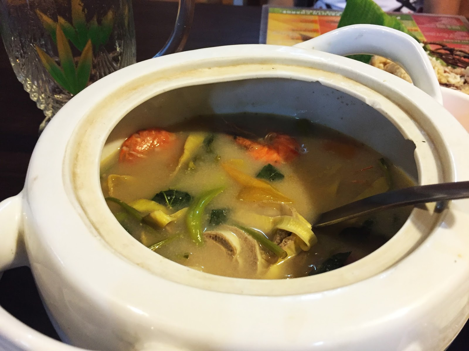 Filipino Food at dampa sa Tarlac Seafood Restaurant: Sinigang na Hipon
