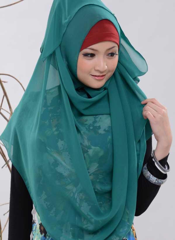 Alhamdulillah sahabat memutuskan untuk memakai jilbab. Agar tampilan ...
