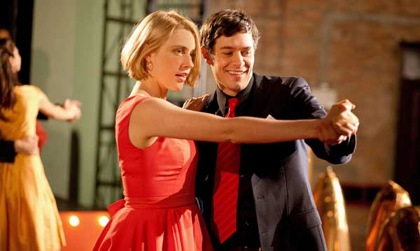 Greta Gerwig and Adam Brody in Damsels in Distress