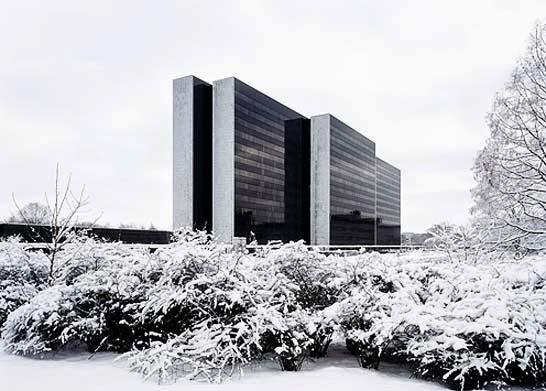 Arne+jacobsen+y+otto+weitling,+office+building+en+hamburg+1963-1969.+imagen+fuente+desconocida