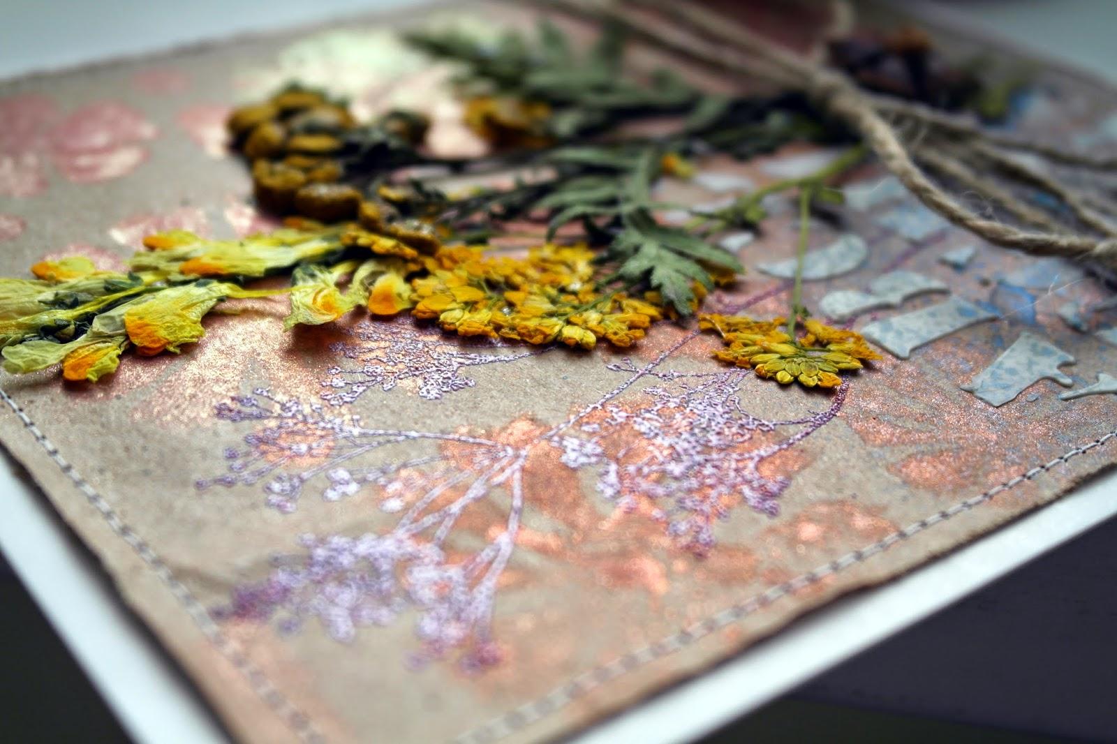 Открытки с сухими цветами 25